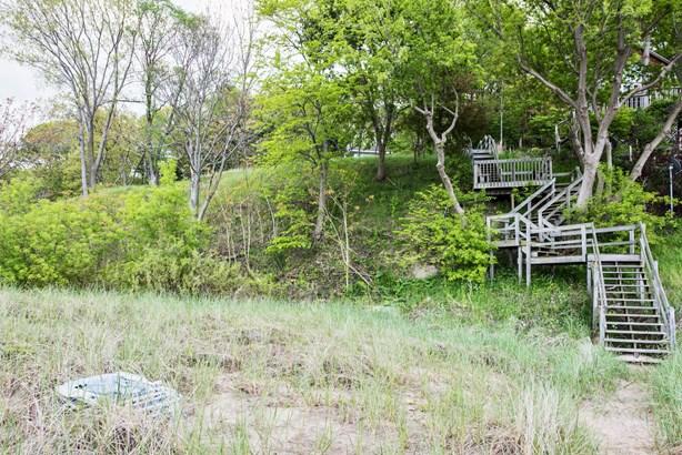 Staircase (photo 4)