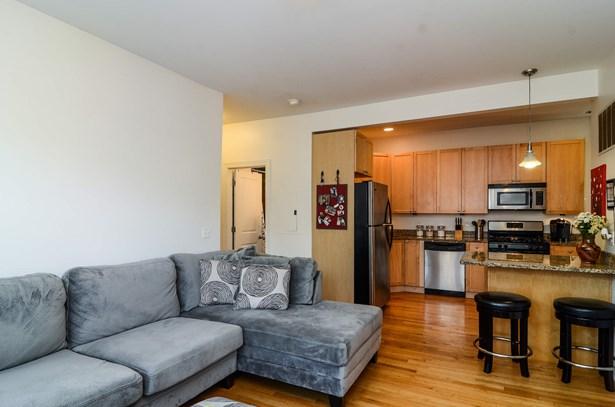 Kitchen / Living Room (photo 5)