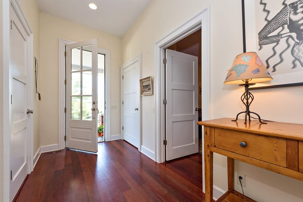 Foyer (photo 5)