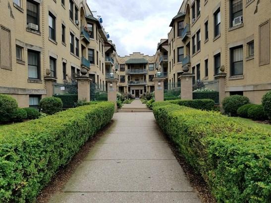 5520 S Cornell Avenue 2n, Chicago, IL - USA (photo 2)