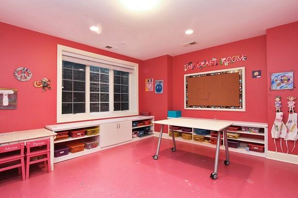 Studio (photo 4)