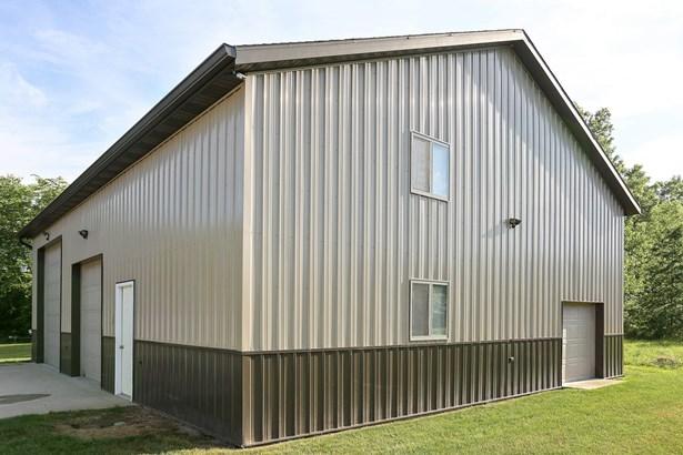 Pole Barn (photo 3)