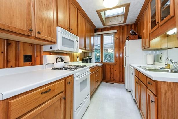 Kitchen-Cottage #3 (photo 4)