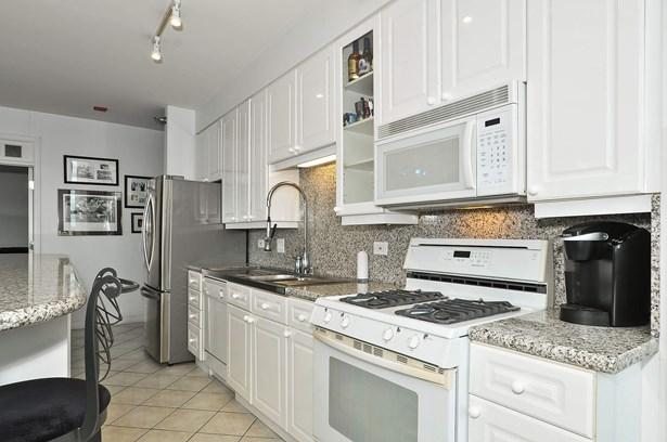 Kitchen / Dining Room (photo 1)