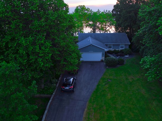 40584 N Lake Bluff Drive, Antioch, IL - USA (photo 2)