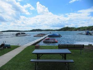 616 Lake St, Twin Lakes, WI - USA (photo 2)