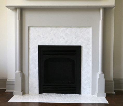 Restored 1891 fireplace with marble hearth & surro (photo 5)