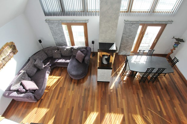 Living Room/Dining Room (photo 4)