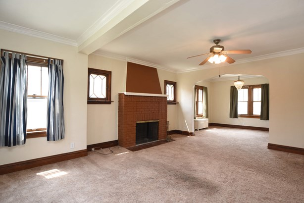 Family Room / Dining Room (photo 5)