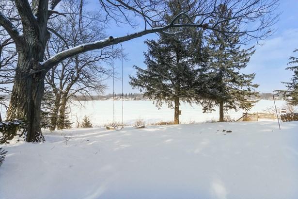 Petite Lake Views (photo 4)