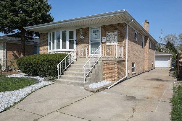 619 Escanaba Avenue, Calumet City, IL - USA (photo 1)