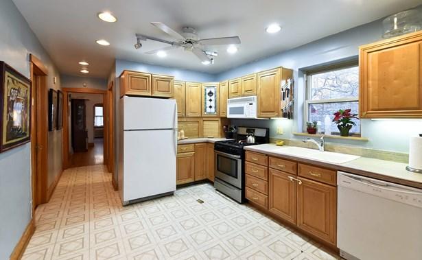 Kitchen - Unit 1 (photo 4)