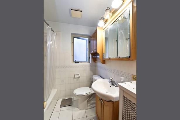 Bathroom - Unit 1 (photo 5)