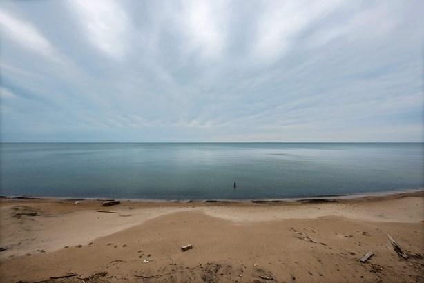 Lake Michigan Beach (photo 2)