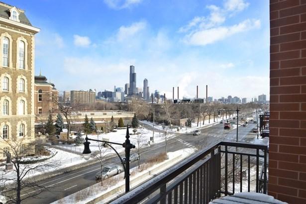 1075 W Roosevelt Road 404, Chicago, IL - USA (photo 4)