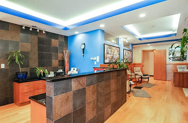 Office Reception (photo 3)
