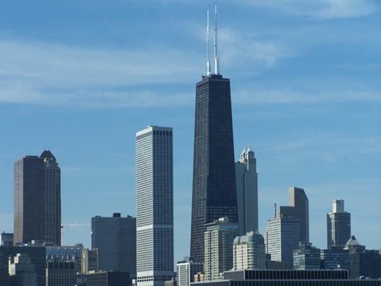 123 W Chicago Avenue, Chicago, IL - USA (photo 1)