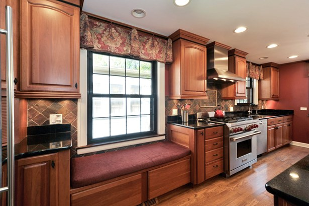 Kitchen Virtually Painted (photo 4)
