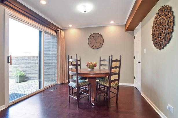 Breakfast Room (photo 4)