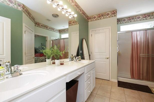 Master Bathroom (photo 3)