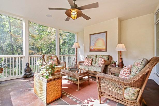 Porch (photo 5)