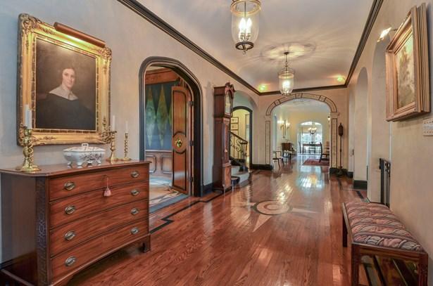 Gallery Hall (photo 3)