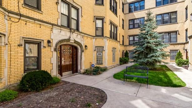 6436 N Leavitt Street 2e, Chicago, IL - USA (photo 3)