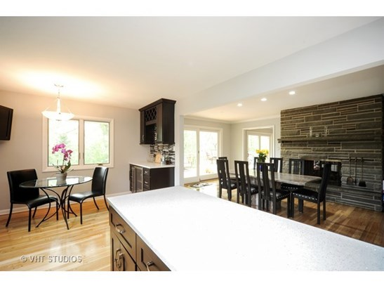 Kitchen / Dining Room (photo 4)