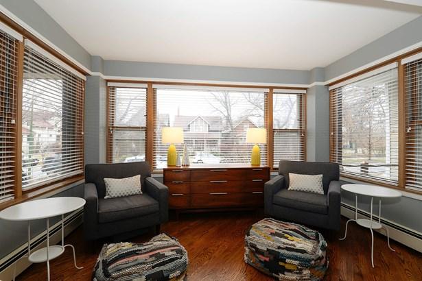 Front Sun Room (photo 4)