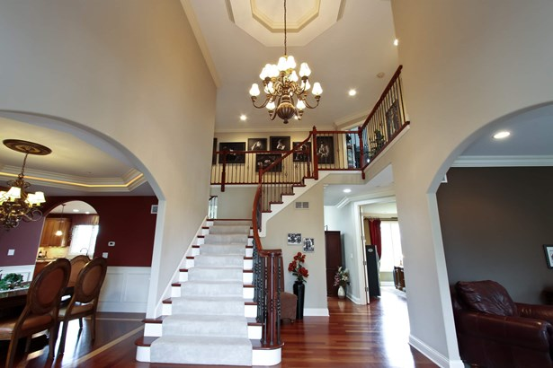 Foyer (photo 2)