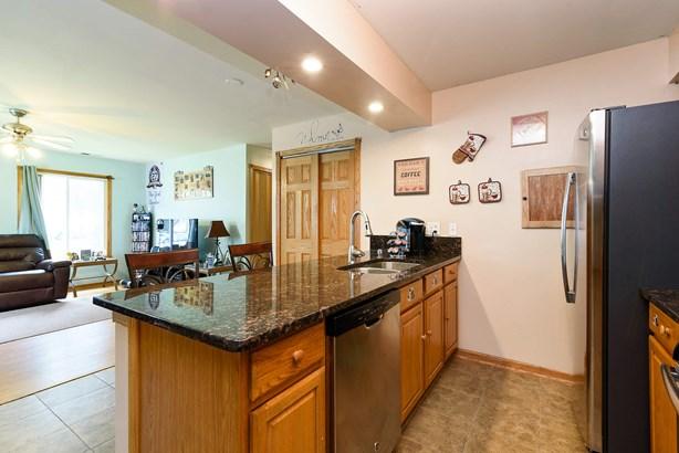 Kitchen/Living (photo 4)