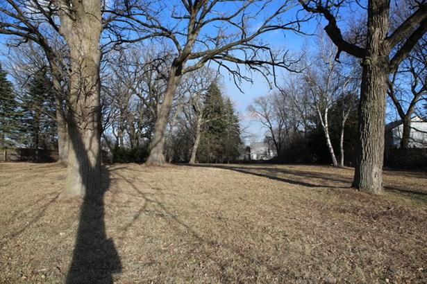 6617 Carl Court, Woodridge, IL - USA (photo 2)
