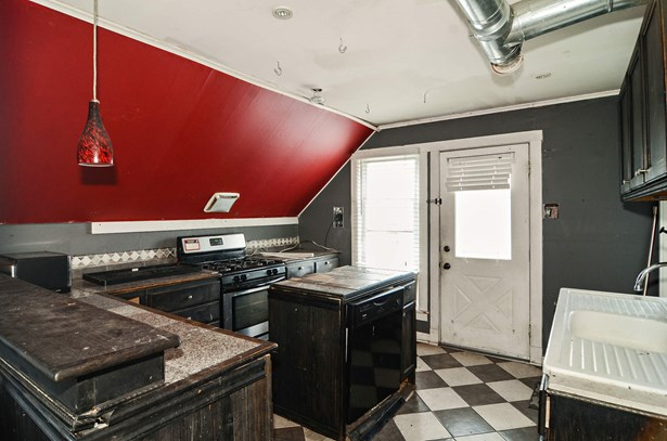 3rd Floor kitchen (photo 5)