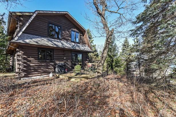 Hilltop Log Home (photo 1)
