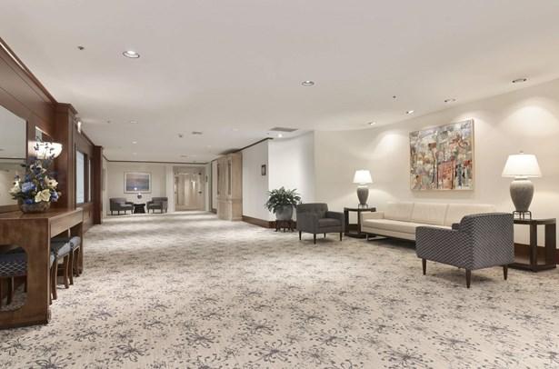 Lobby 2 (photo 3)