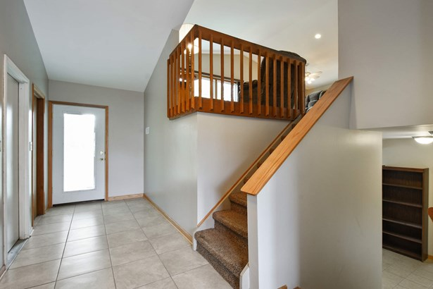 Foyer with tons of Space and Storage (photo 2)