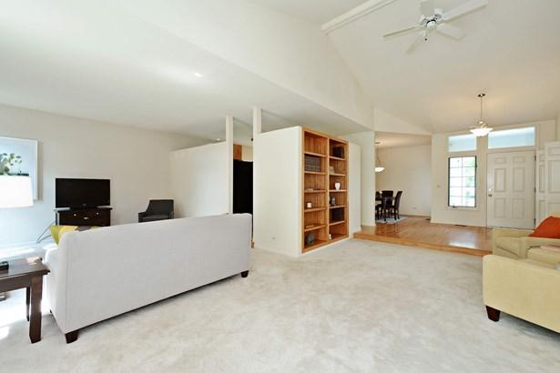Living Room / Family Room (photo 3)