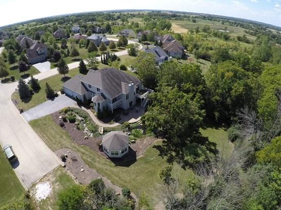 Aerial (photo 3)