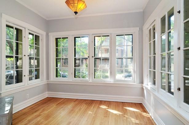 Sun room...office...or playroom?  Your choice! (photo 5)