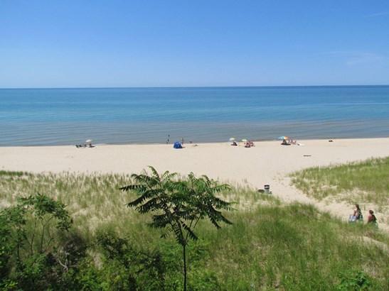 Near by beach (photo 3)