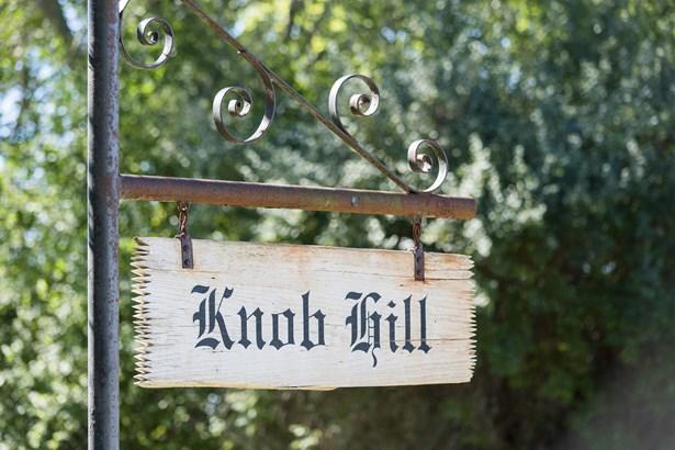 Knob Hill (photo 2)