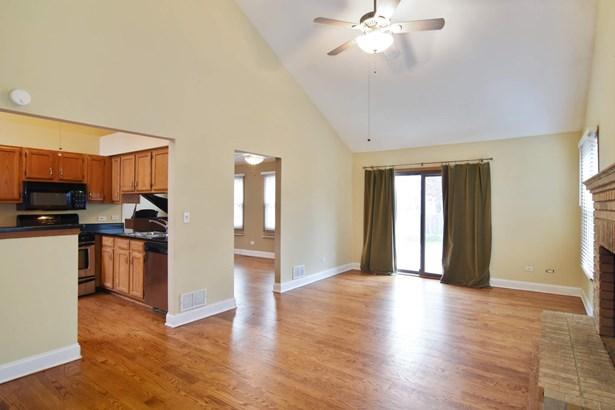 Family Room / Kitchen (photo 2)