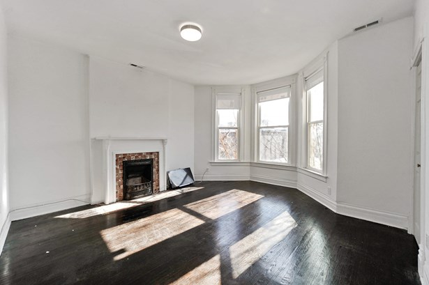 Living Room #2 (photo 2)
