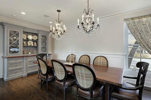 Breakfast Room (photo 5)