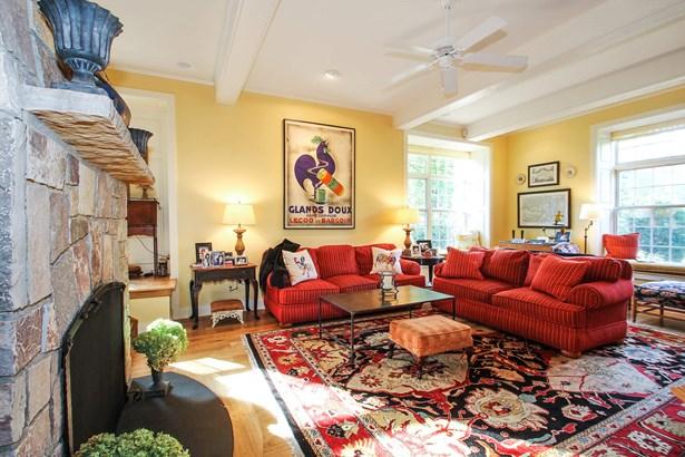 Inviting Living Room (photo 5)