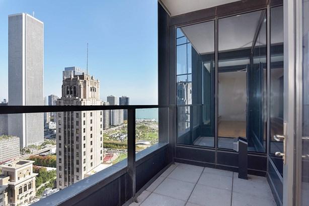 Balcony (photo 5)