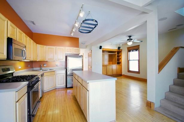 Duplex Kitchen/Family Room (photo 5)