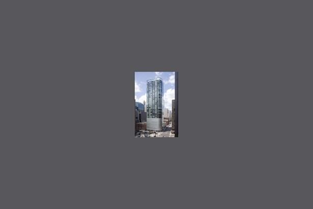 600 Fairbanks | Helmut Jahn's Iconic Glass & Steel
