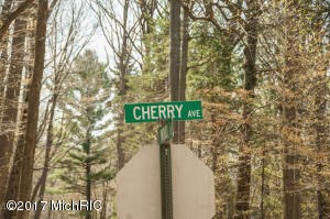 3086 Cherry Avenue, Coloma, MI - USA (photo 2)