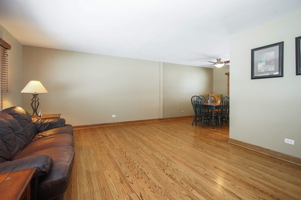 Living Room L-Shaped into Dining Room (photo 5)